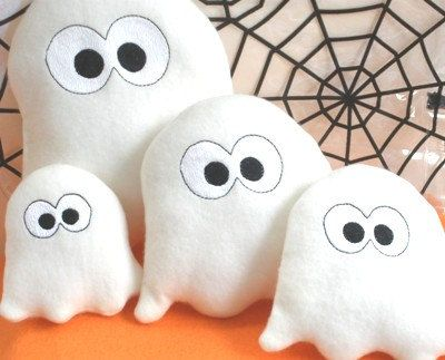 Sweet Ghost Applique PLUS Matching Plush Toy - In the hoop