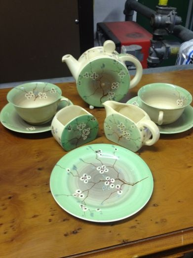 Clarice Cliff Tea For Two :: Clarice Cliff 'Bonjour' Tea for Two Service Estimate £300 - £400. Windsor Auction House