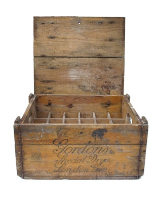 On Vintage GB this week we've got our hands on an original Gordon's London Gin case (well it's G O'clock somewhere!)