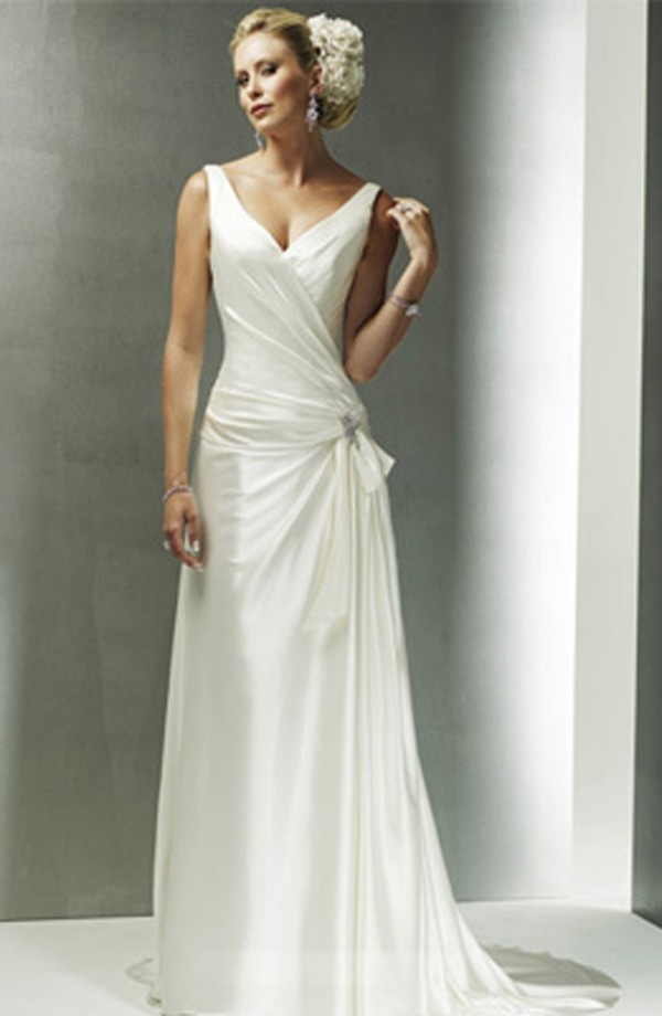 Oh this is the perfect dress for me. Simple, yet beautiful. Perfect for a tall girl like me =)