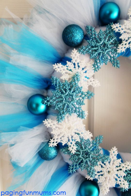 Frozen Tutu Wreath. This is so beautiful and easy to make!