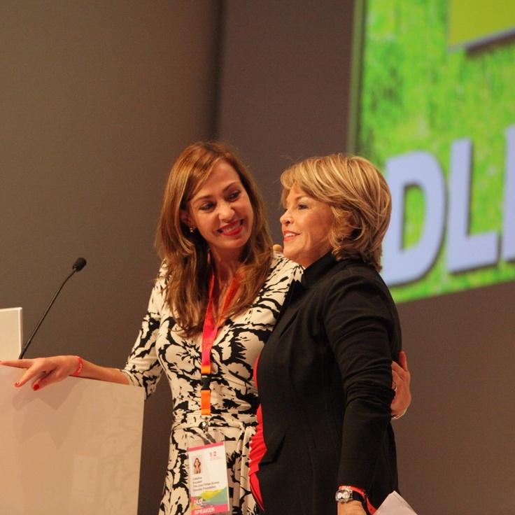 Catalina Escobar y Pat Mitchell en foro DLD Munich, Alemania
