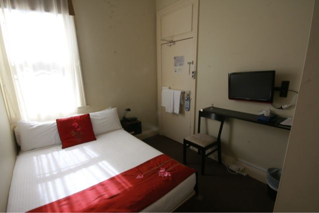 Travelling to Sydney on a budget? We're one of the most popular 4-star hotels in NSW. We're close to Sydney Harbour as well as other popular attractions in Sydney!  Check out our annex rooms! Book here - www.cremornepointmanor.com.au