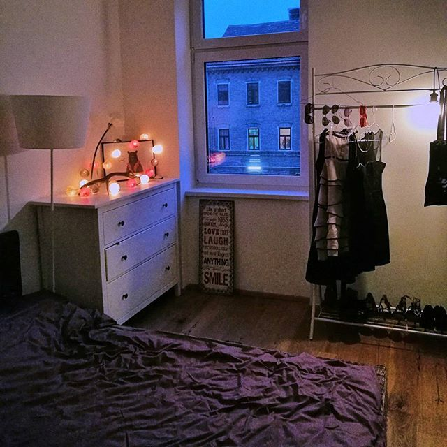 Back at home  #vienna #home #interior #solebich #cosy #getcosy #lightballs #dresses #sleepingroom #netflix #tvevening #igersvienna #igershome