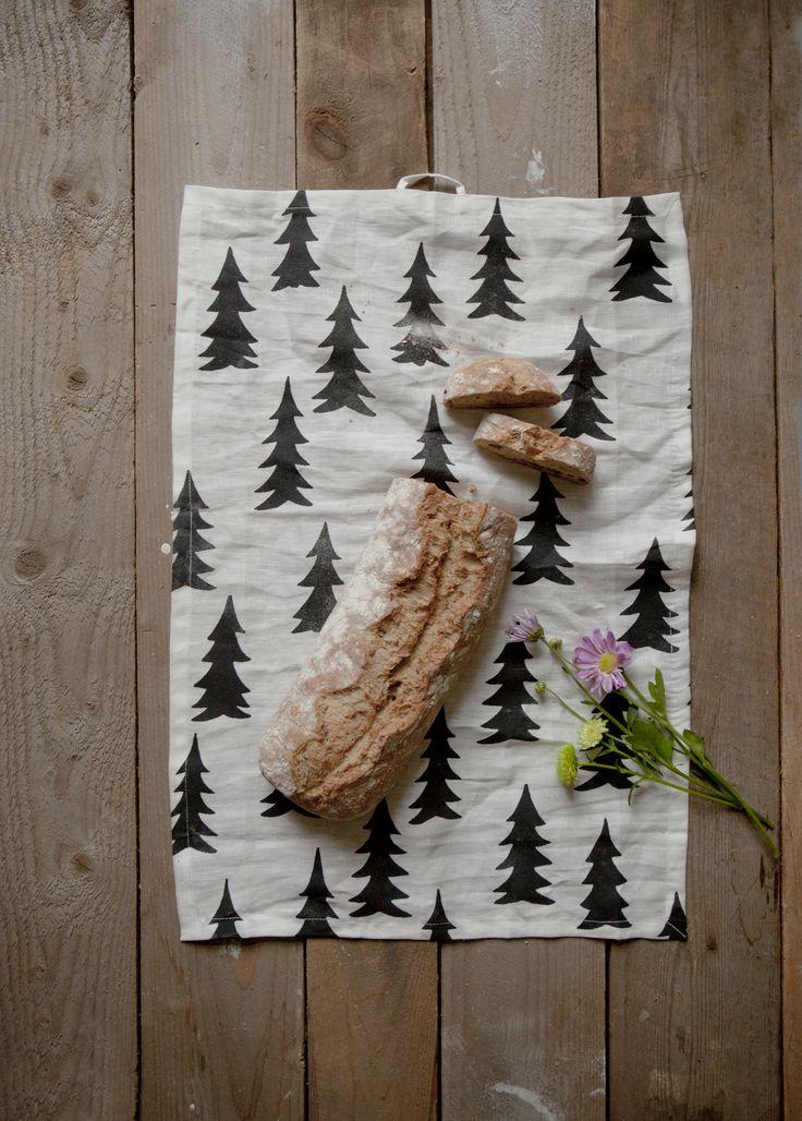 Gran linen kitchen towel.