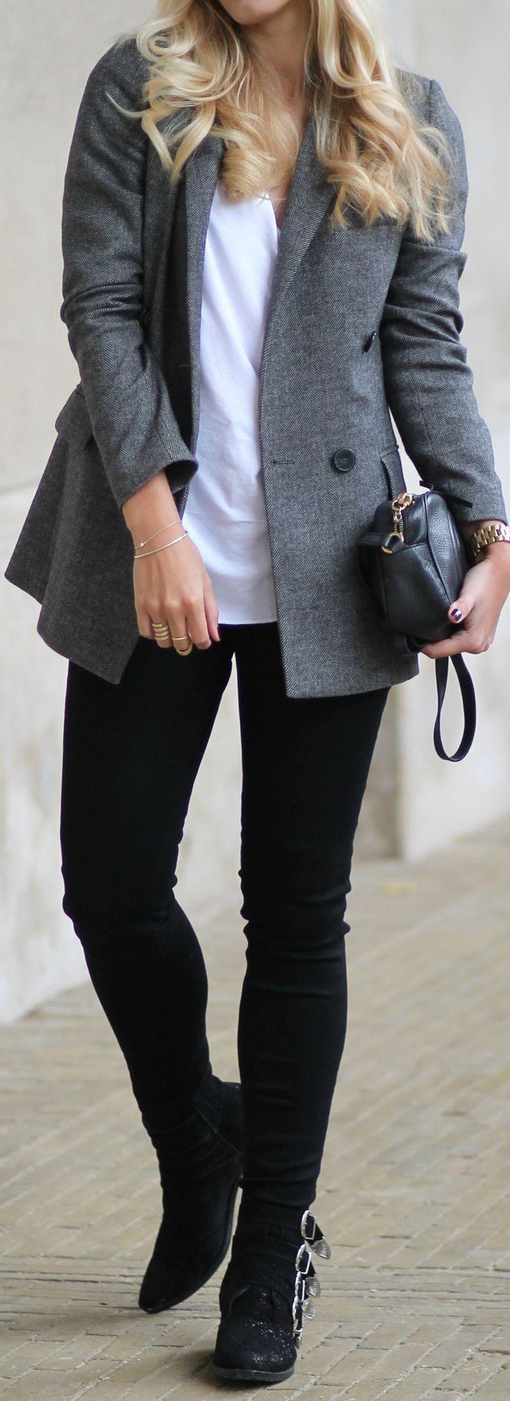 Blazer: Zara // T-shirt: Asos // Jeans: Asos // Boots: Toga Pulla // Bag: Gucci 'Soho Disco'