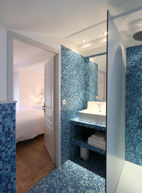 8 best sdb images on Pinterest Bathroom, Home ideas and Half bathrooms