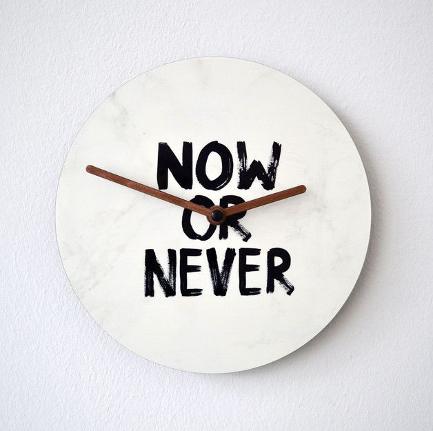 Schwarz Weisse Wanduhr Fr Dein Wohnzimmer Motivational Wall Clock Now Or Never