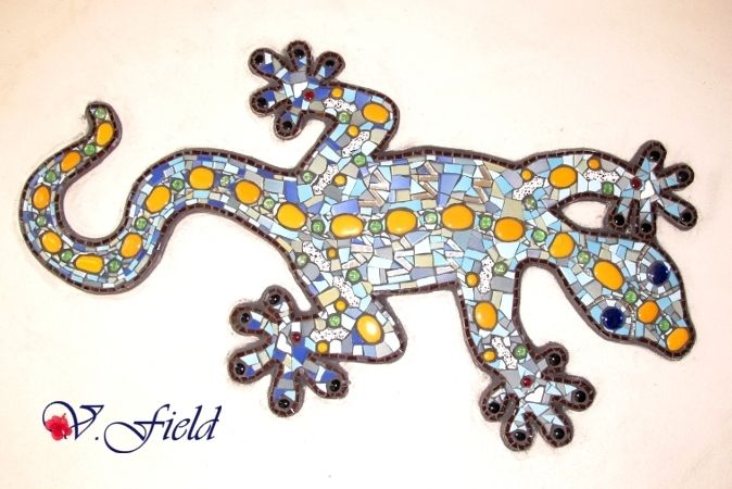 Mosaic mural Gecko by Victoria Field