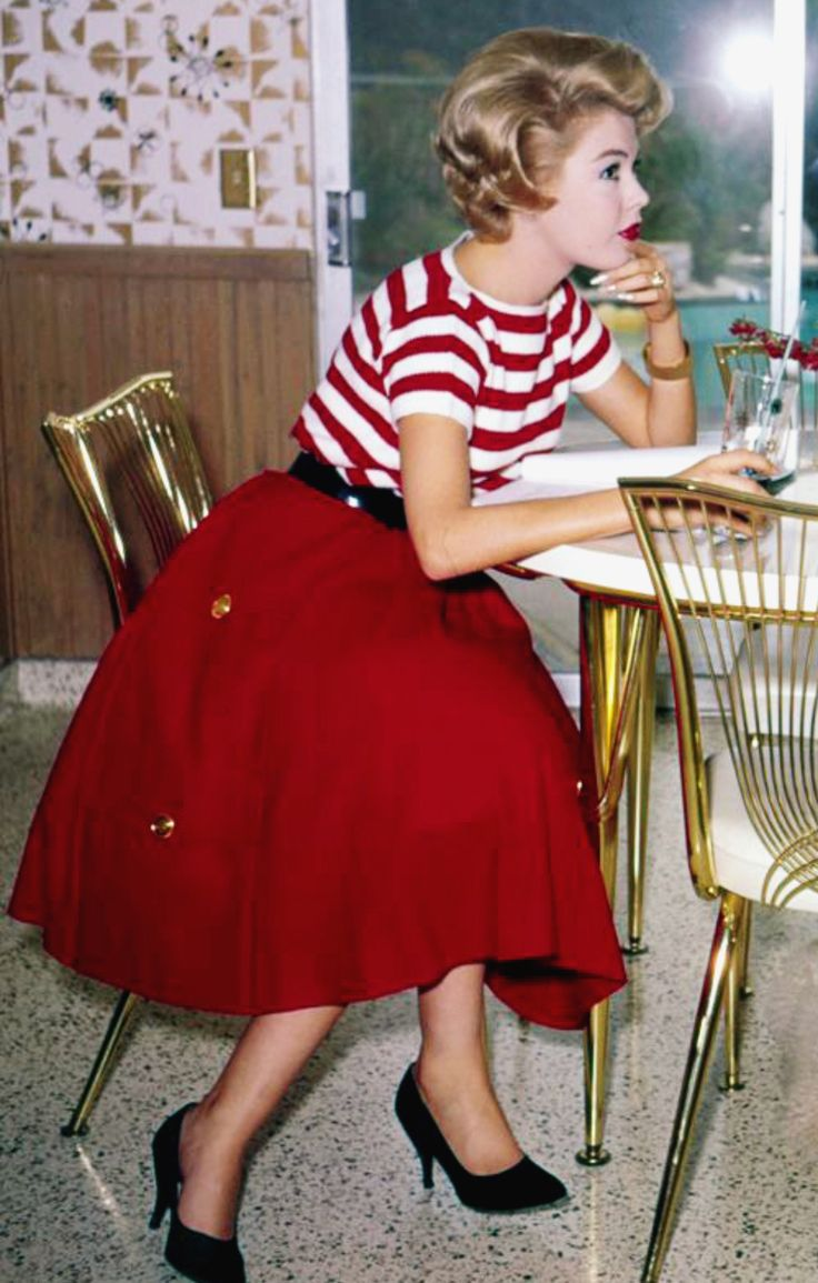 Sandra Dee. Classic. Skirt. Stripes Vintage fashion.