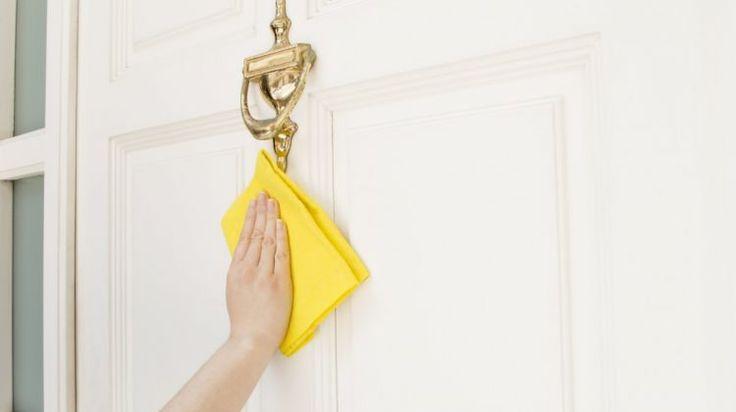 Come pulire le porte in legno  |   Come Fare - Donna Moderna
