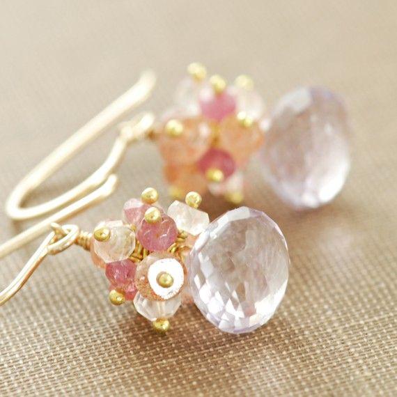 Relleno pastel Cluster pendientes 14k oro, pendientes de piedras preciosas lavanda rosa melocotón, cuarzo rosa amatista Sunstone