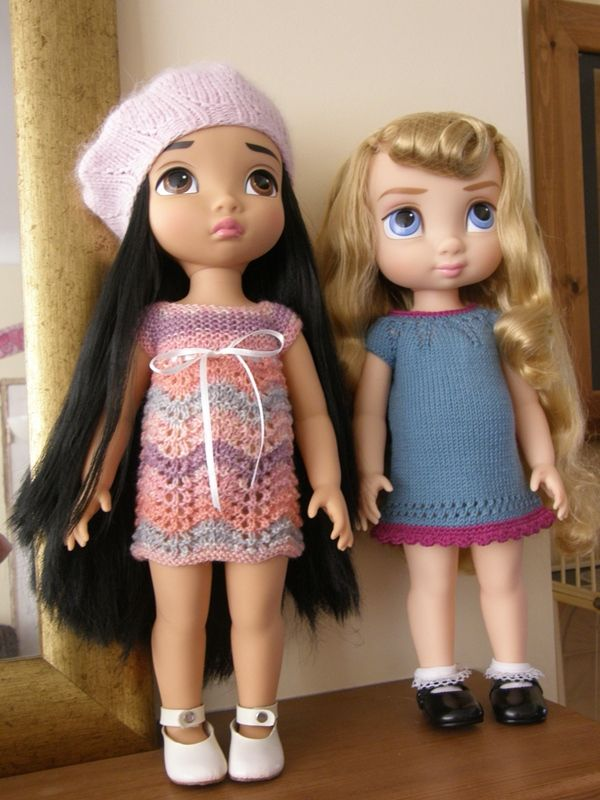 Aurora and Pocahontas, wearing clothes I have knitted for other dolls hence they are not a great fit! Disney Animator Dolls