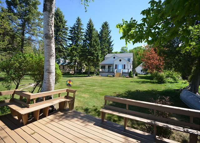 A peaceful retreat in Central Lake on beautiful Torch Lake. The area is stunning and you will not be disappointed!