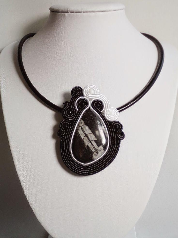 Sutache Alexandry - unique jewellery: Niezwykły wisior z geologią w tle