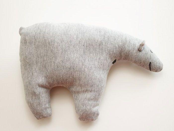 DIY Nähanleitung: Kuscheltier, Plüschtier Eisbär // DIY sewing tutorial: stuffed animals, cuddly toy icebear via DaWanda.com