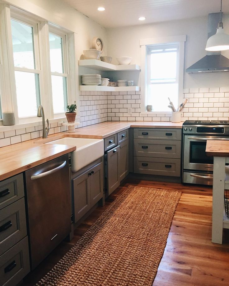 Kitchen Small Cabinets: Best 25+ Small Kitchen Renovations Ideas On Pinterest
