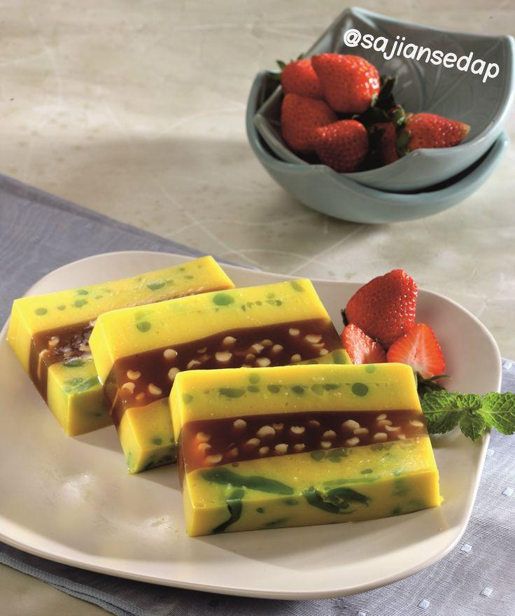 Puding Labu Bintik Cendol http://www.sajiansedap.com/recipe/detail/19936/puding-labu-bintik-cendol#.U8YiwvmSxRE