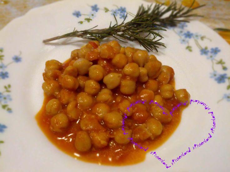 #Ceci  al  #sugo   #gialloblogs   #giallozafferano   #ricette   #ricettefacili   #ricettadelgiorno   #cucina   #cucinaitaliana   #food   #foodblogger   #foodphotography   #italianfood   #cooking   #muttipomodoro   #secondipiatti