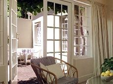 Rondebosch Self Catering Accommodation, Cape Town - Willow Cottage. #selfcatering #capetownaccommodation #travel