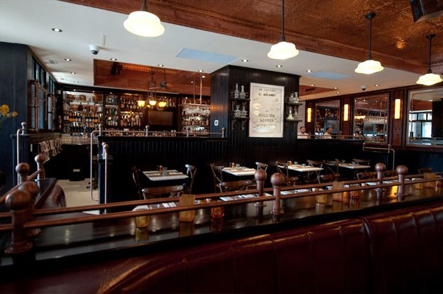 Museum Tavern - A vibrant and bustling brasserie across from the ROM. Serves classic American fare with international twists.