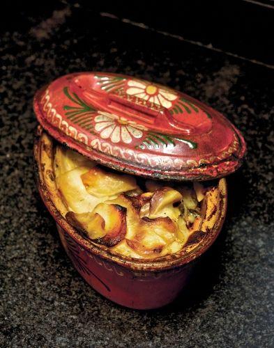 beaeckeoffe l 39 ancienne recettes familiales pinterest plus d 39 id es ancien plat et viande. Black Bedroom Furniture Sets. Home Design Ideas