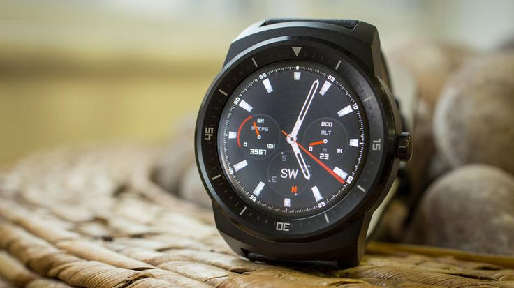 With its round design, angular metal frame and selection of gorgeous watch faces, the LG G Watch R is the most attractive Android Wear Smartwatch around. It's battery life isn't bad either.