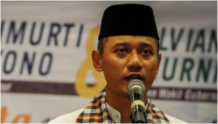 Pakar Politik LIPI: Pidato Kekalahan Agus Harimurti Bagus Buat Karir Politiknya  KONFRONTASI - Pakar politik Lembaga Ilmu Pengetahuan Indonesia (LIPI) Syamsuddin Haris menjelaskan dengan mengakui kekalahan lewat pidato singkat Calon gubernur nomor urut satu Agus Harimurti Yudhoyono telah menyelamatkan wajah sang ayah Susilo Bambang Yudhoyono (SBY) yang merupakan ketua umum Partai Demokrat dan mantan presiden RI. Sebab sebelumnya SBY menuding ada pihak-pihak yang sengaja menginginkan…
