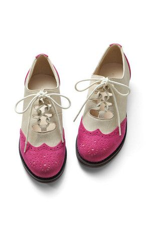 love these pink tip shoes!