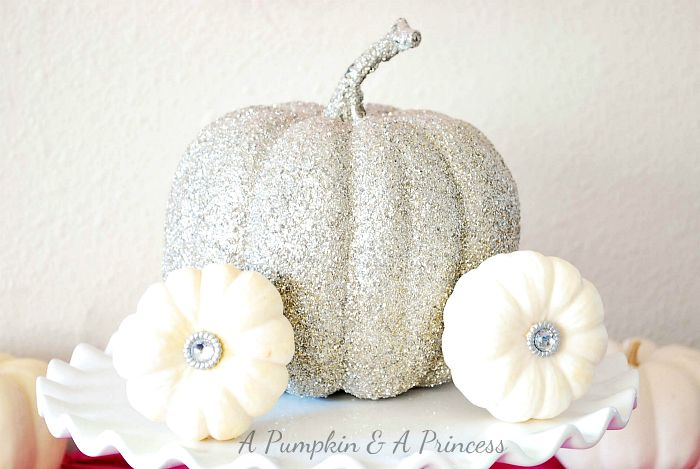 """Even though I haven't started decorating for Fall, I am admiring all of the great fall decorating ideas that I'm seeing. I have a """"thing"""" for those cute, little pumpkins so I've gathered some decorating with mini pumpkin ideas that I thought you might enjoy, too. I am still in denial that summer is soon …"""