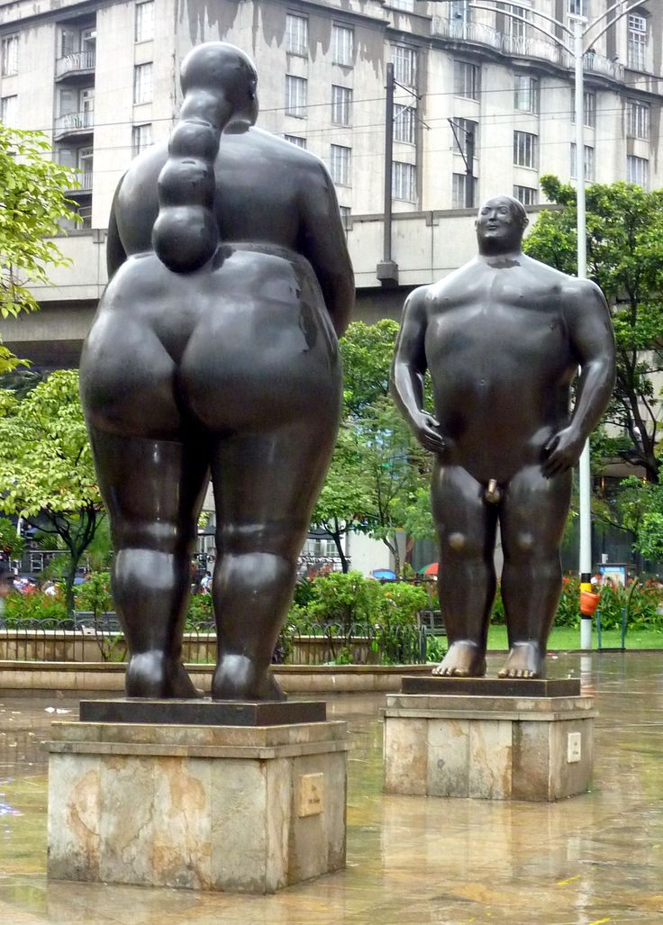 Les statues de #botero #medellin #colombie  http://www.travelplugin.com/ http://www.travelplugin.com/cali-une-ville-colombienne-qui-rend-fou-dans-le-bon-sens/