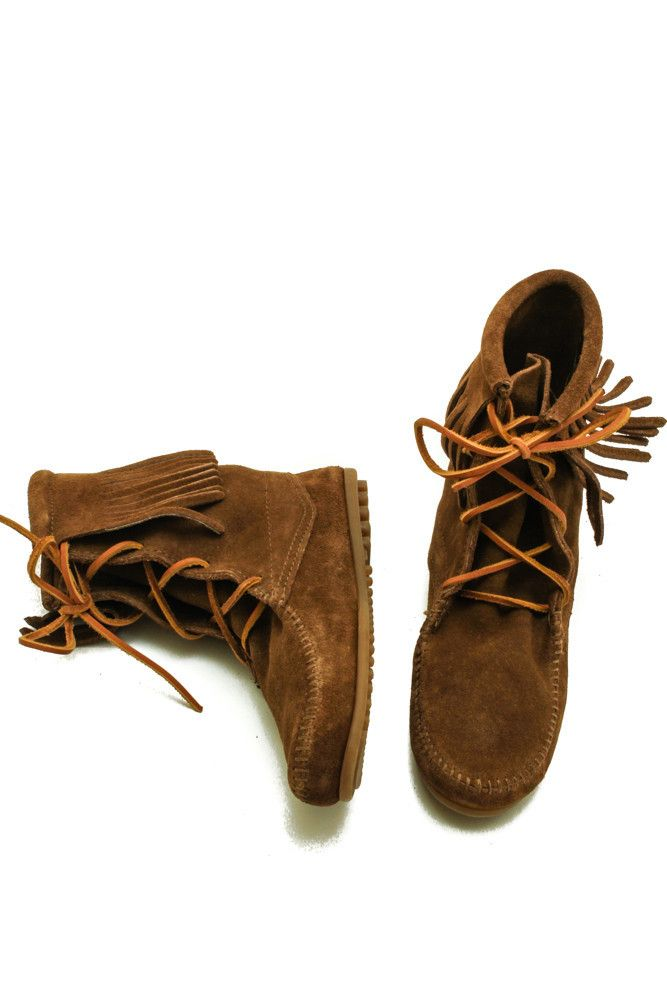 Traditional hand-crafted ankle fringe boot. Features soft suede leather, padded cushion insole and rubber sole.
