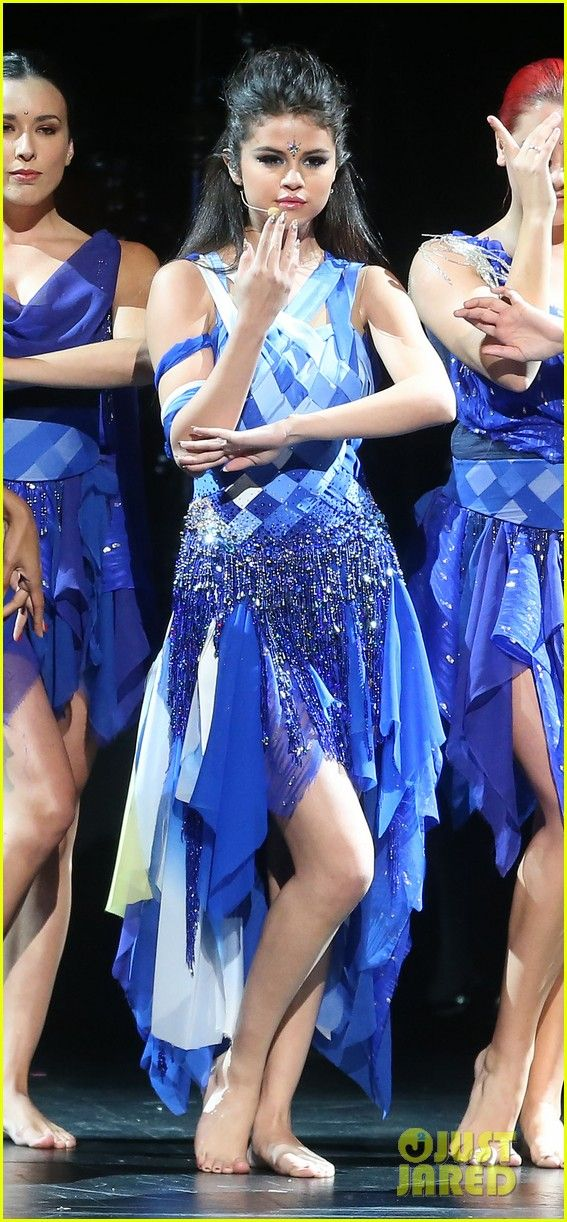 Selena Gomez is beautiful in shades of blue as she sings and dances away on stage at the 2013 Radio Disney Music Awards held at Nokia Theatre L.A. LIVE on Saturday…