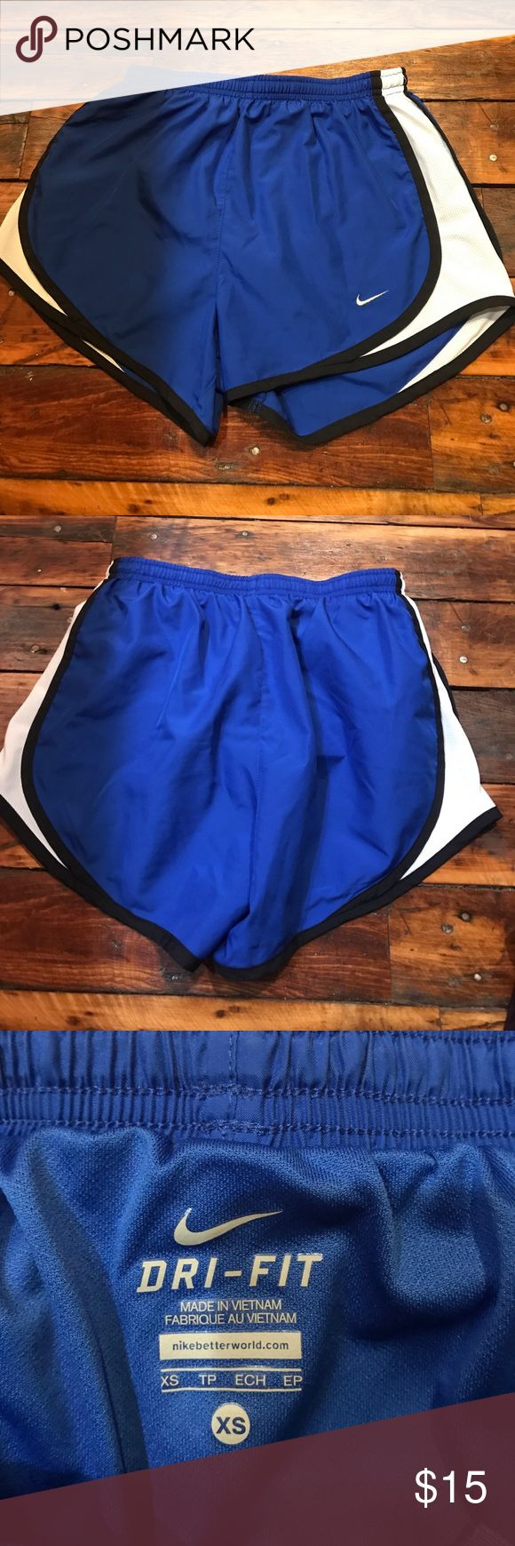 Women's Nike Tempo Running Shorts XS Women's Nike Tempo Running Shorts in royal blue with black and white on sides. In great condition, only worn a handful of times Nike Shorts