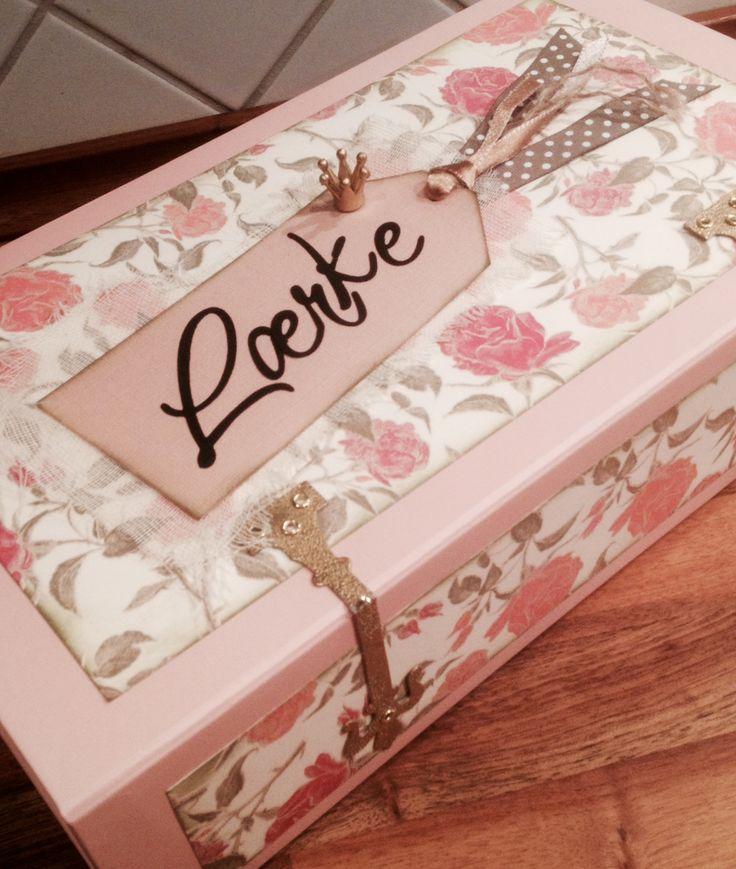Altered art: Hunkemüller box turned into girly gift box.