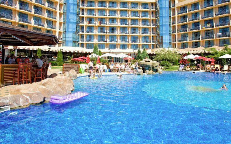 Rejs på ferie med All Inclusive på Tiara Beach i Bulgarien. Se mere på http://www.apollorejser.dk/rejser/europa/bulgarien/burgaskysten/sunny-beach/hoteller/tiara-beach