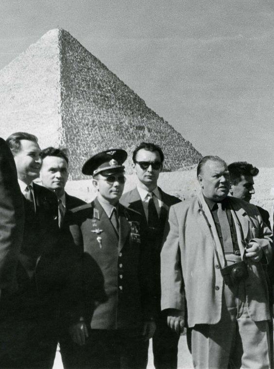 Юрий Алексеевич Гагарин в Египте