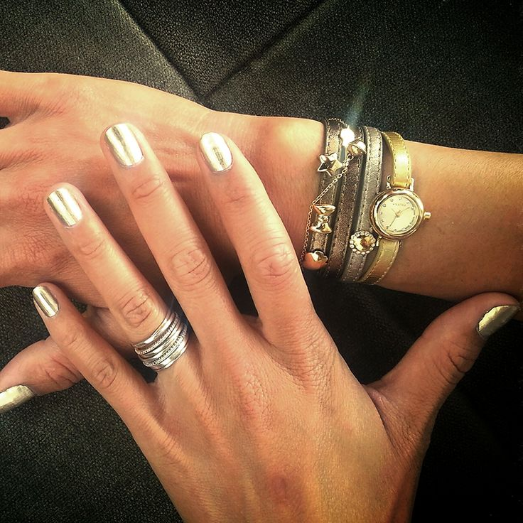 Matching nails with my AGAT'you! Also, a sneak peak at the new AGAT'you watch coming soon...