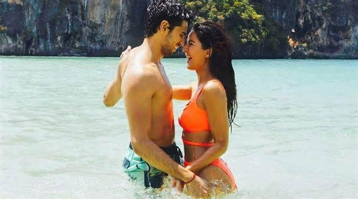 Baar Baar Dekho Katrina Kaif Romances Sidharth Malhotra In A Bikini And It Is Really Hot In Here