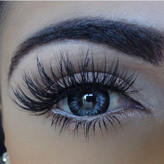 Gorgeous @lucindapanarellomakeup ❤️❤️❤️ @shophudabeauty faux mink lashes in Farah Nail Design, Nail Art, Nail Salon, Irvine, Newport Beach