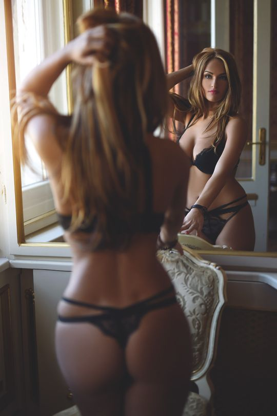 229 best images about provocative poses women on for Hot bedroom photos