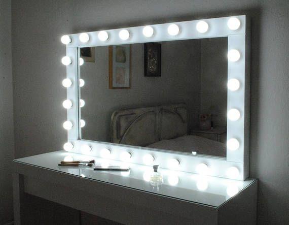best 20 make up mirror ideas on pinterest makeup desk makeup desk with mirror and mirror. Black Bedroom Furniture Sets. Home Design Ideas