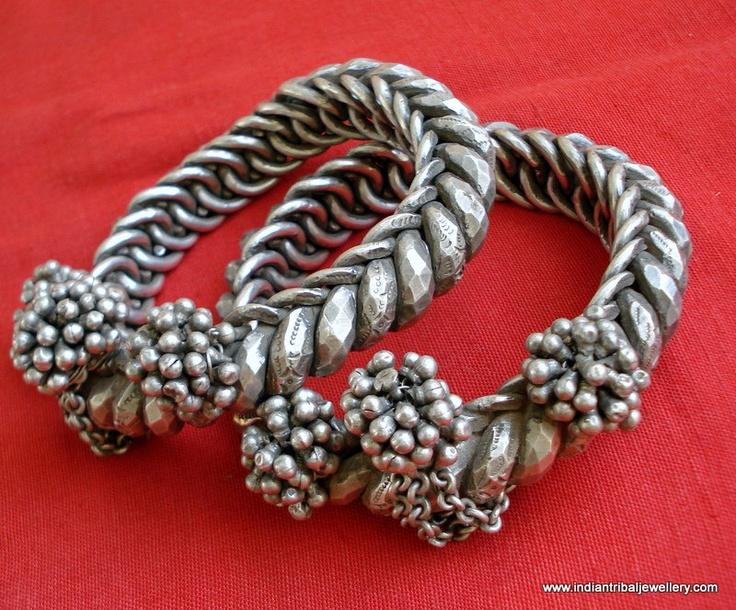 India   Vintage silver ankle bracelet ~ langar ~ from Rajasthan.   1,999$