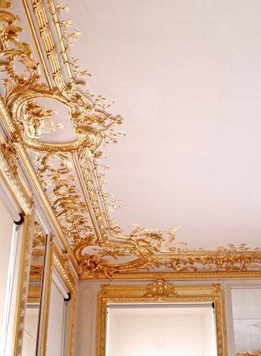 Gilded ceiling detail...