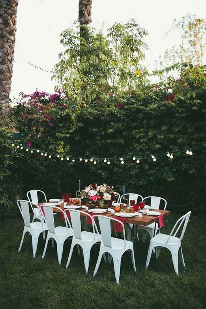 For an intimate anniversary dinner, bring your dining room table outside and hang string lights around the yard for a special, al fresco dining space Outdoor Dinner Parties, Garden Parties, Outdoor Entertaining, Throw A Party, Holiday Dinner, Fall Dinner, Party Entertainment, Deco Table, Outdoor Dining