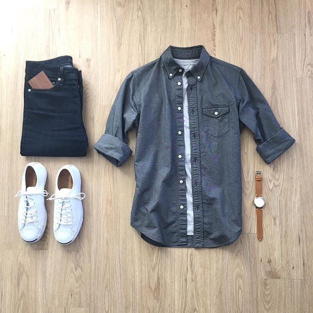 Dress Shirt: @jcrewmens Shirt: @allsaints Jeans: @uniqlo Wallet: @tovierwallets Shoes: @converse Watch: @boomwatches