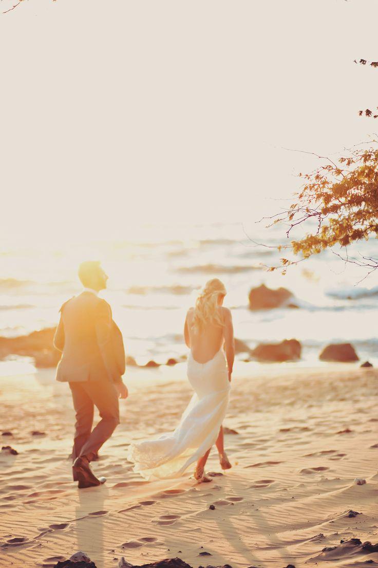 ウェディング、ブライダル・フォトは一生の思い出。ビーチでの結婚式の写真の参考一覧を集めました♡