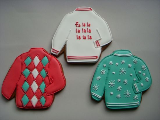 Christmas Sweater Decorated Cookies| http://decorated-cookies-744.blogspot.com