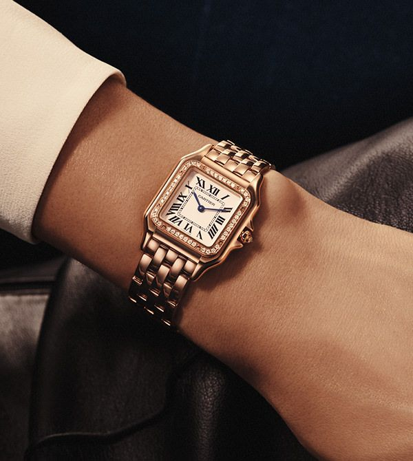 Michael Kors Watches. Michael Kors is a world-renowned, award-winning designer of luxury accessories. Behind this burgeoning empire stands a singular designer with an innate sense of glamour and an unfailing eye for timeless chic.