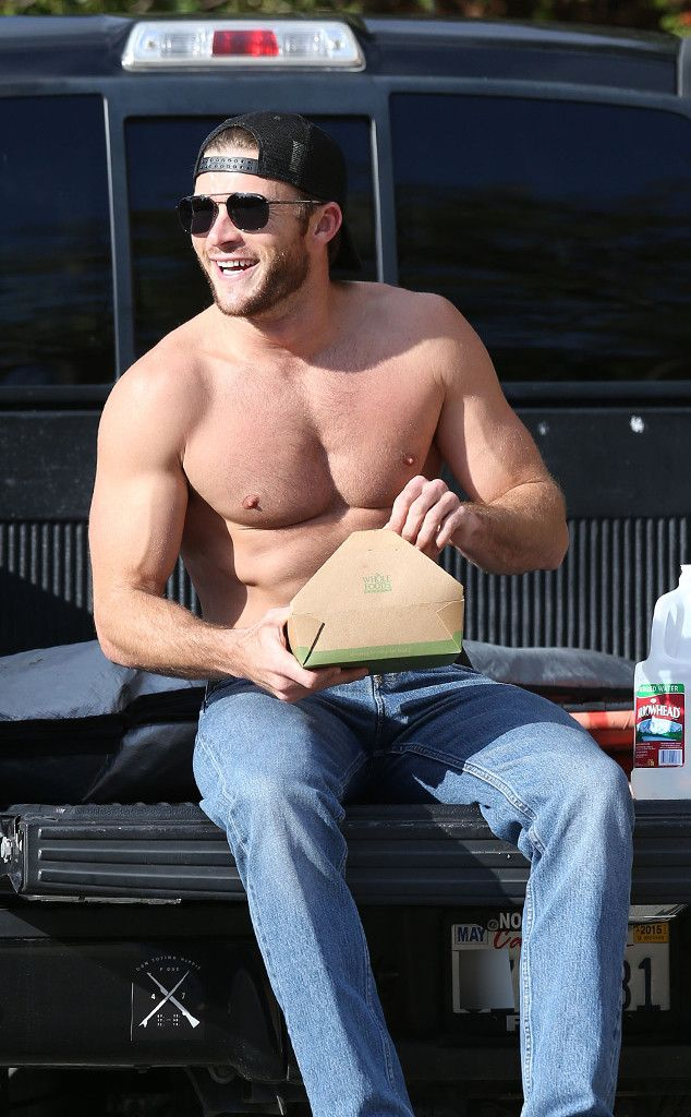 Scott Eastwood-Good Lord he is gorgeous! Not as gorgeous as Dad back in the day but gorgeous!!